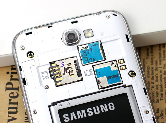 联通版三星 Note 2:玩双卡双待、大小 SIM 卡槽